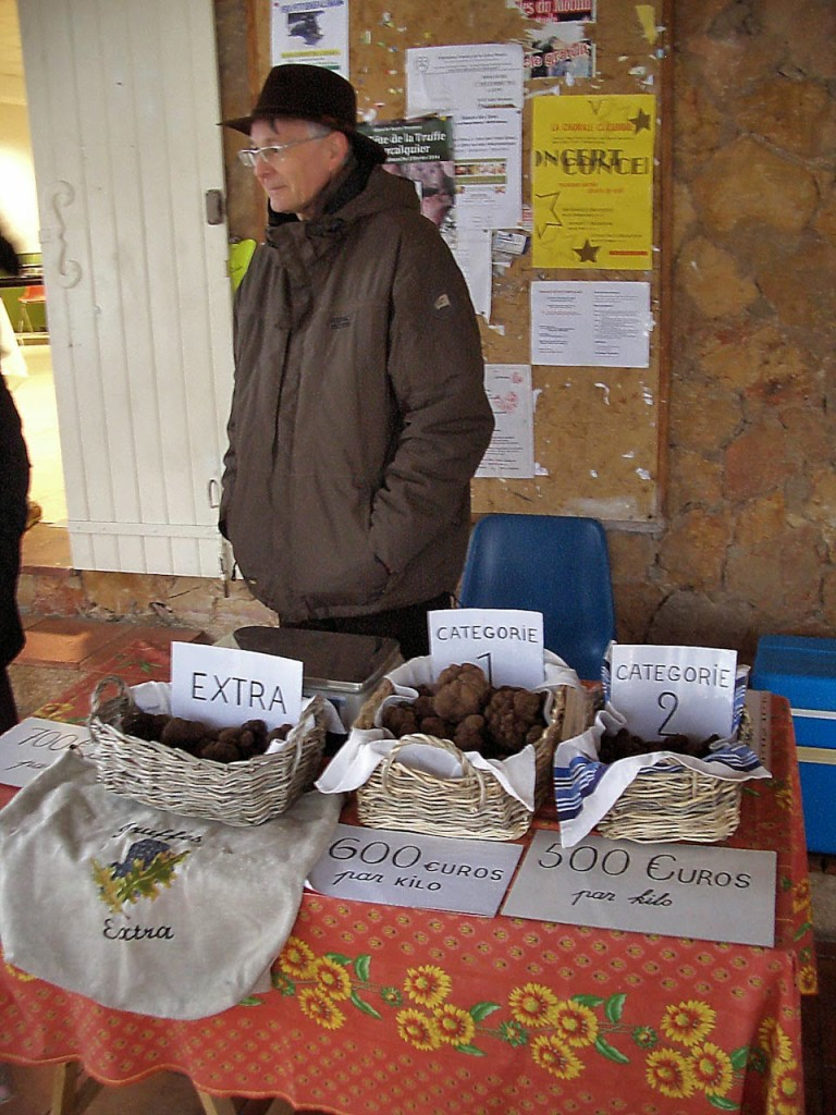 Aups Truffle Market. Photo by Pamela J. O'Neill