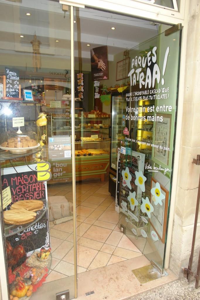 Boulangerie in Lourmarin Photo: P Schott