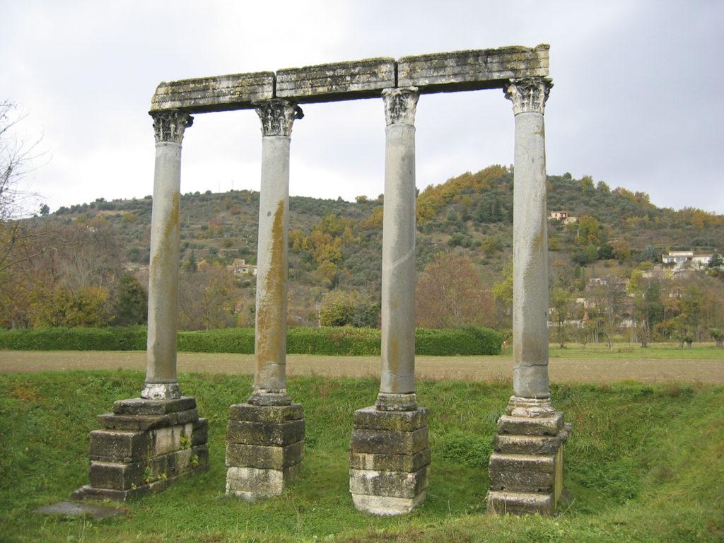 Pont+Julien--4.JPG