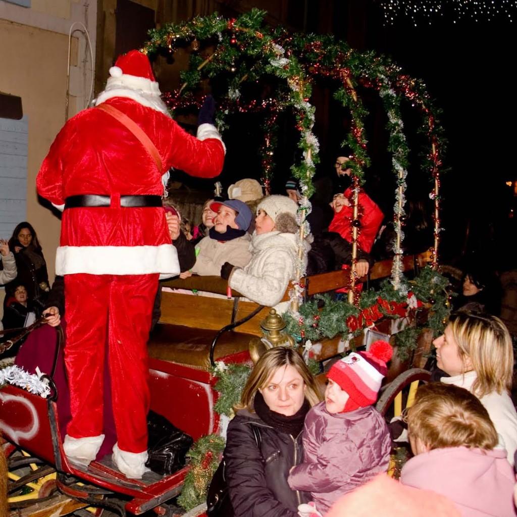 Santa+singing-7978.jpg