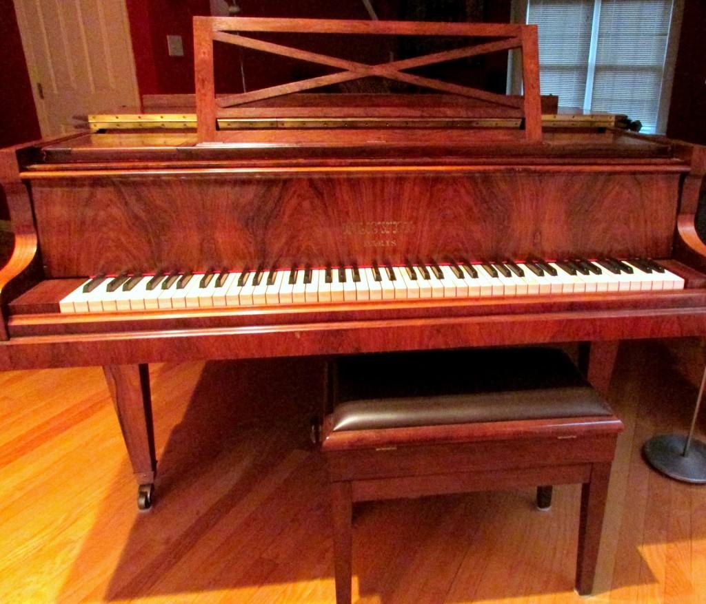 more+piano+002.JPG