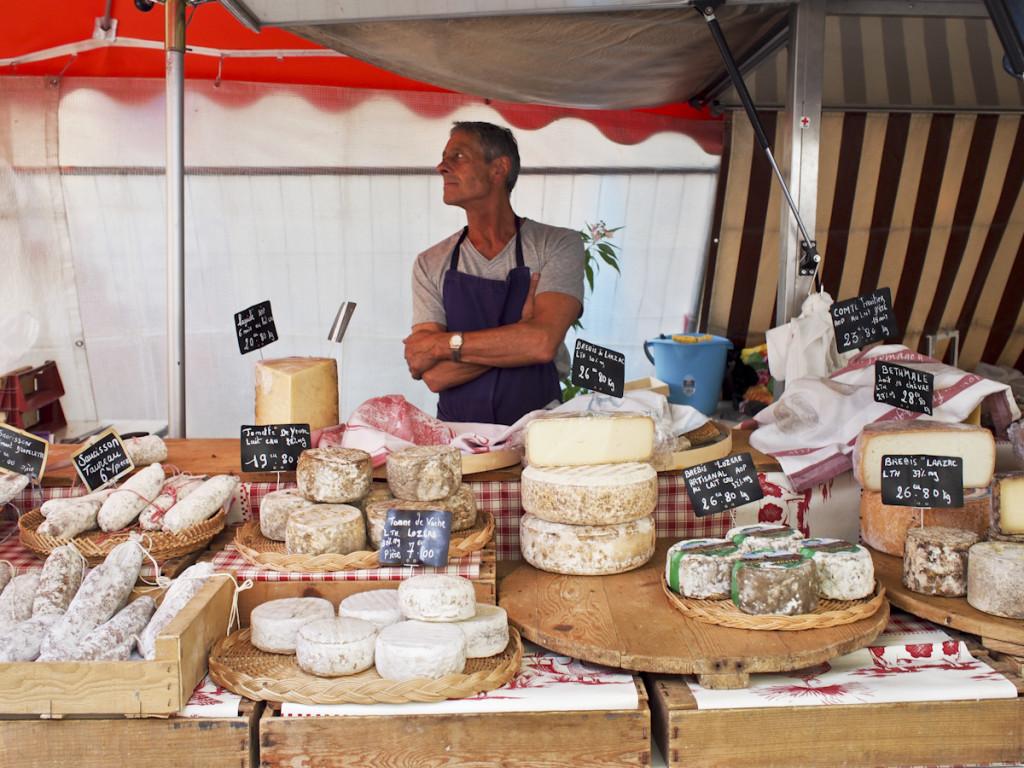 The men in the markets of Provence: L'Isle-sur-la-Sorgue